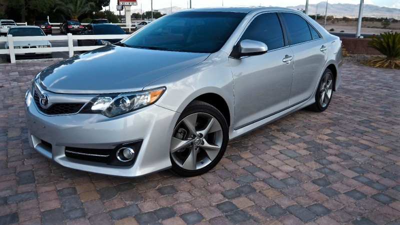 2013 toyota camry se v6 used cars in las vegas nv 89119. Black Bedroom Furniture Sets. Home Design Ideas