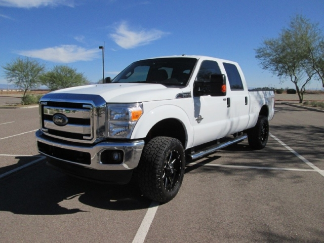 2015 ford f250 crew cab shorty xlt fx4 440 hp diesel level lift wheels tires 1owner carfax. Black Bedroom Furniture Sets. Home Design Ideas