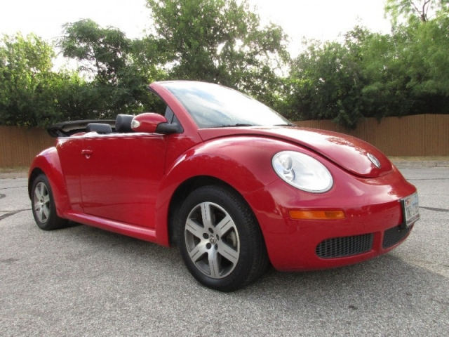 2006 volkswagen new beetle convertible 2dr 2 5l auto for Showcase motors san antonio