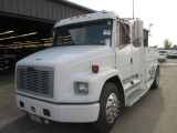 Freightliner SPORT CHASSIS 2003
