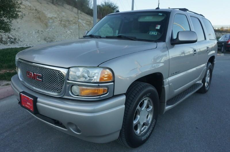 GMC Yukon Denali 2005