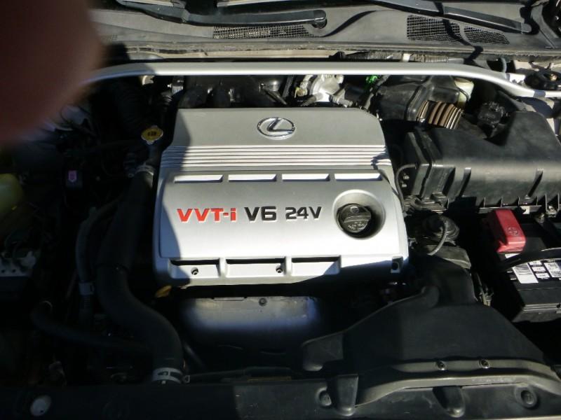 2002 Lexus ES 300 4dr Sdn Cream Beige 110898 miles Stock 028242 VIN JTHBF30G920028242