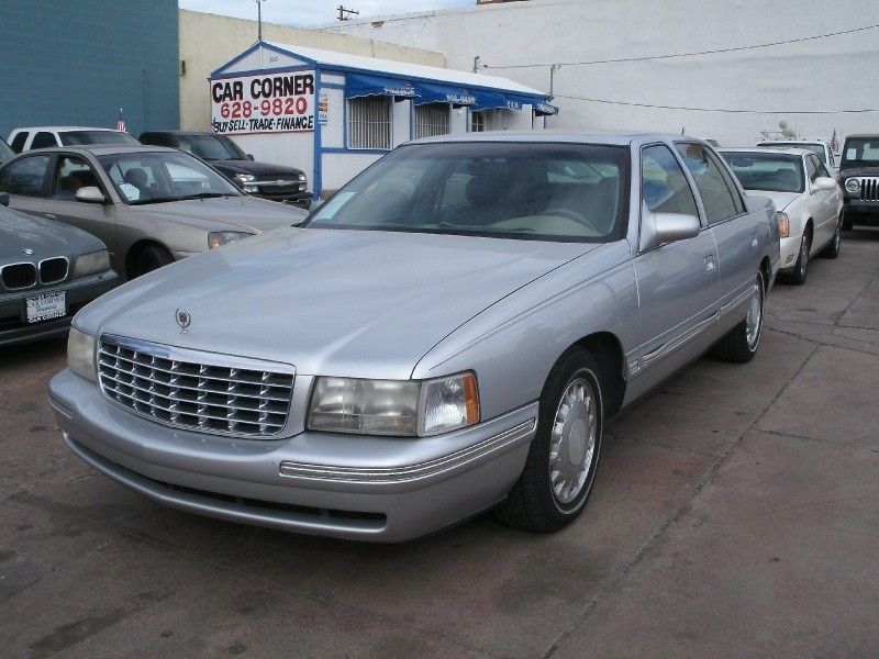 1999 Cadillac DeVille 4dr Sdn This Cadillac is ready to roll today and qualifies for a 998 Down Pa