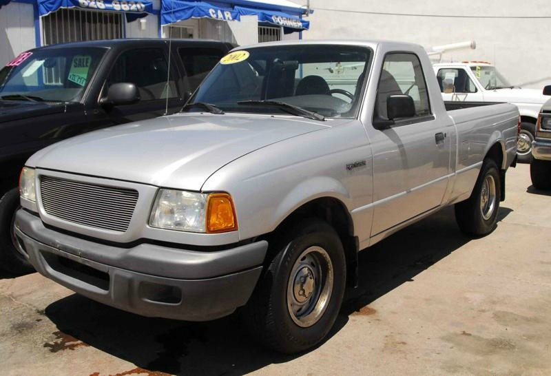 2002 Ford Ranger Reg Cab 23L XL This Ford Ranger is ready to roll today and qualifies for a 998 D