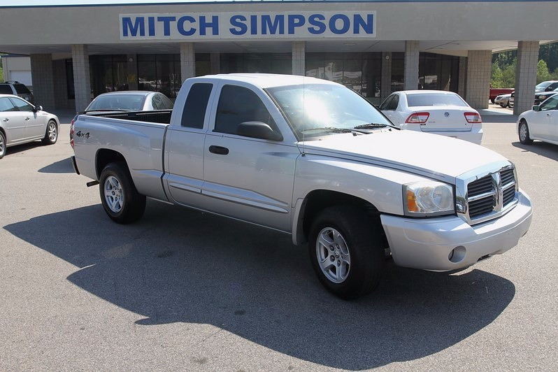 2005 dodge dakota slt ext cab 4x4 magnum v8 heated seats. Black Bedroom Furniture Sets. Home Design Ideas