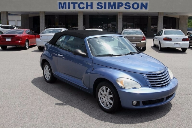 2006 chrysler pt cruiser convertible touring edition low miles great carfax used cars trucks. Black Bedroom Furniture Sets. Home Design Ideas