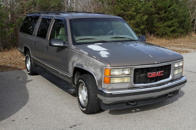 1997 gmc suburban 1500 2wd slt cheap people mover used for Mitch simpson motors cleveland ga