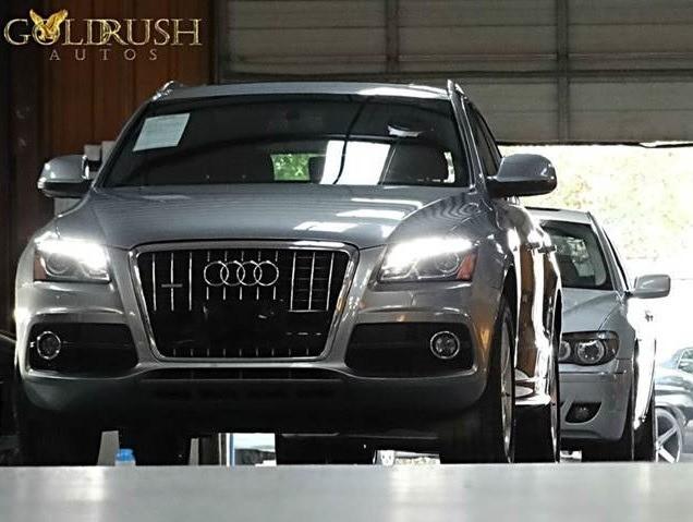2011 Audi Q5 quattro 4dr 32L Premium Plus 94022 miles Stock 011340 VIN WA1DKAFP4BA011340