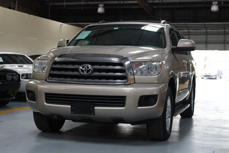 2008 Toyota Sequoia RWD 4dr V8 5-Spd AT SR5 Natl 162545 miles Stock 000337 VIN 5TDZT64A48S0