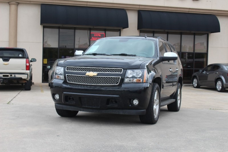 2009 Chevrolet Tahoe 2WD 4dr 1500 LT w1LT Black Beige 136810 miles Stock 295561 VIN 1GNFC2