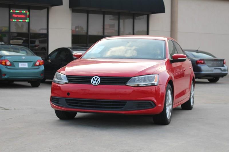 2011 Volkswagen Jetta Sedan 4dr Auto SE Red Gray 87585 miles Stock 051568 VIN 3VWDX7AJ7BM