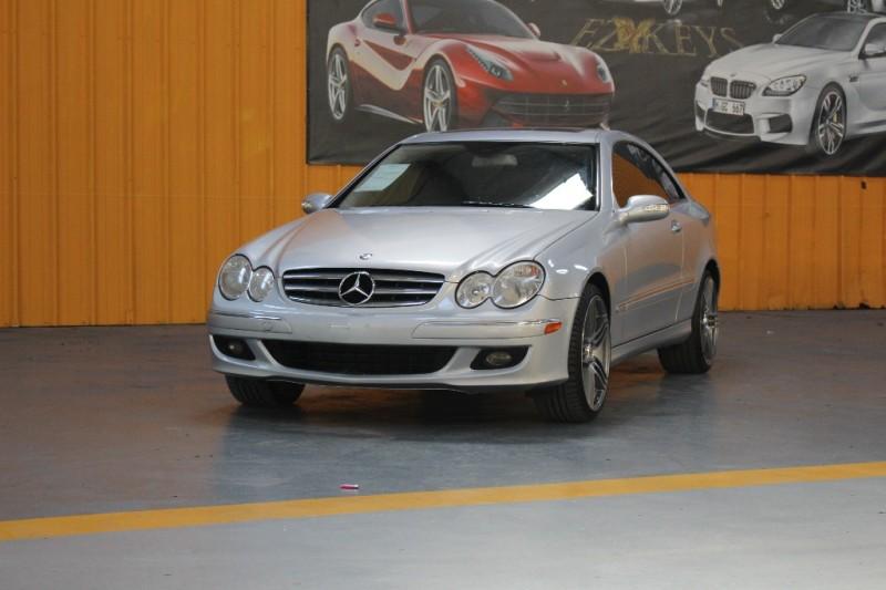 2008 Mercedes CLK-Class 2dr Cpe 35L Silver Black 118527 miles Stock 258699 VIN WDBTJ56H38F