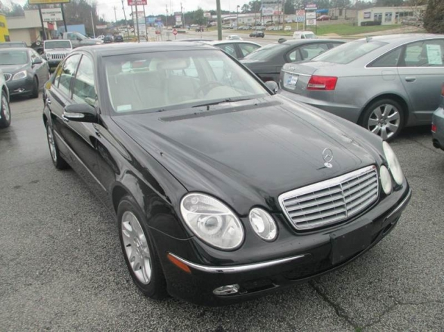 2004 mercedes benz e class e320 4dr sedan 11 950 for Mercedes benz c class 2004 price