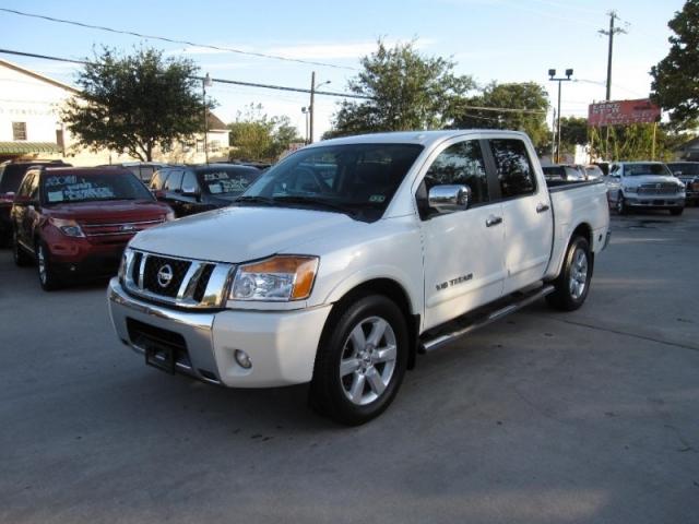 2013 nissan titan 2wd crew cab swb s inventory lone for Lone star motors inventory