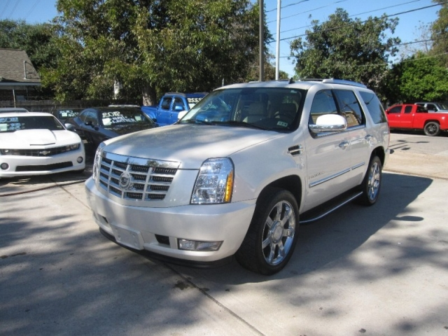 2008 cadillac escalade 2wd 4dr inventory lone star for Lone star motors inventory