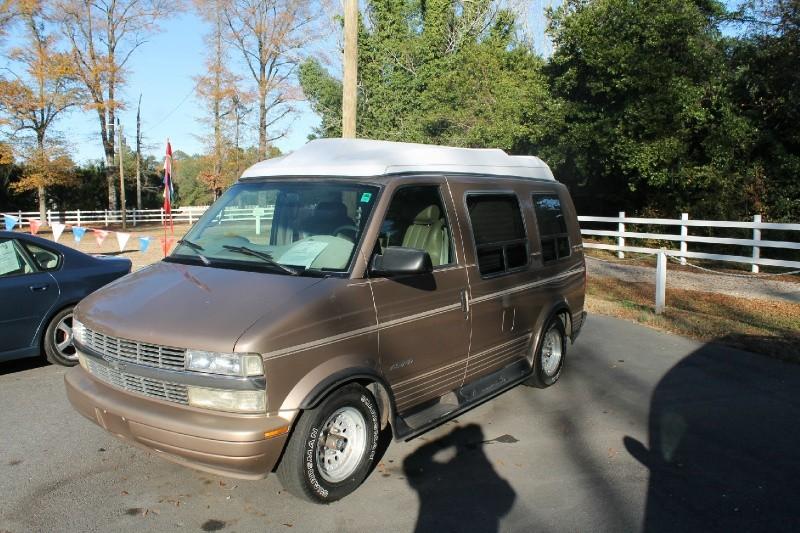 $3,870, 2000 Chevrolet Astro Cargo Van