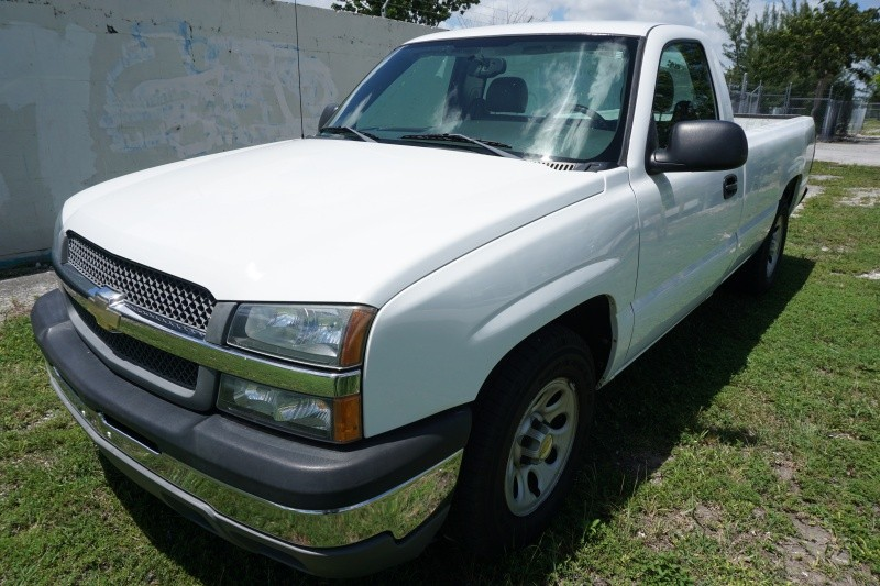 2005 Chevrolet Silverado 1500 Reg Cab 1330 WB Work Truck White Gray 120893 miles Stock 235