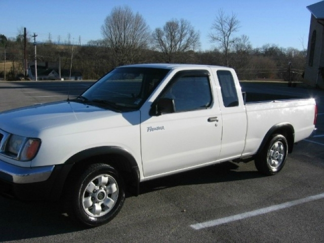 2000 Nissan Frontier 2wd 00 5 Xe King Cab I4 Auto