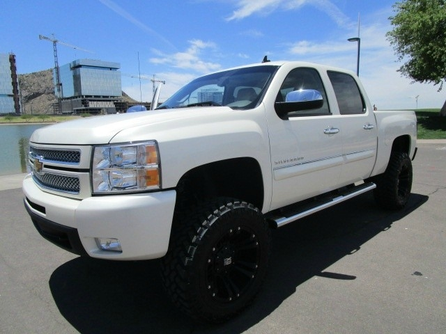 2013 Chevrolet Silverado 1500 4WD Crew Cab LTZ Lifted/Wheels/Tires 1 Owner White Diamond Pearl ...
