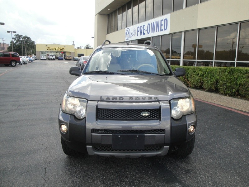 2005 Land Rover Freelander 4dr Wgn SE COME SEE THIS 2005 LANDROVER FREELANDER SE THIS SUV IS IN