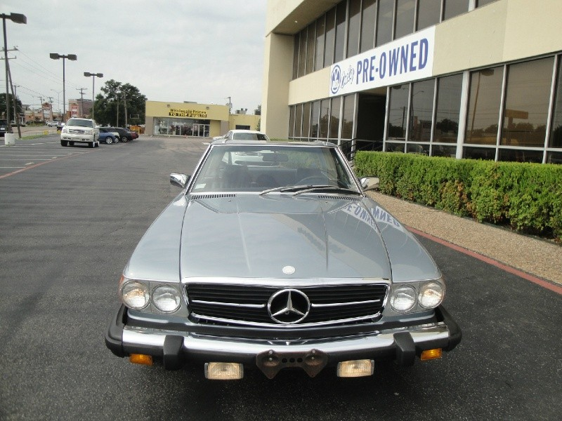 1980 Mercedes 450-SL Take a look at this 1980 Mercedes Benz 450SL This stylish coupe drives great i