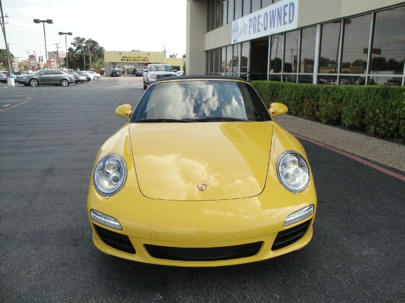 2010 Porsche 911 S Carrera S Check out this One owner 2010 Porsche 911 ConvertibleThis beautiful