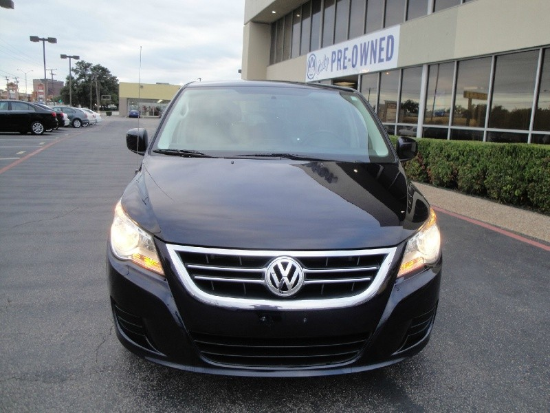 2010 Volkswagen Routan EUROPEAN RIDE NO ACCIDENTS 2010 Volkswagen Routan 4dr Wgn SE Automatic