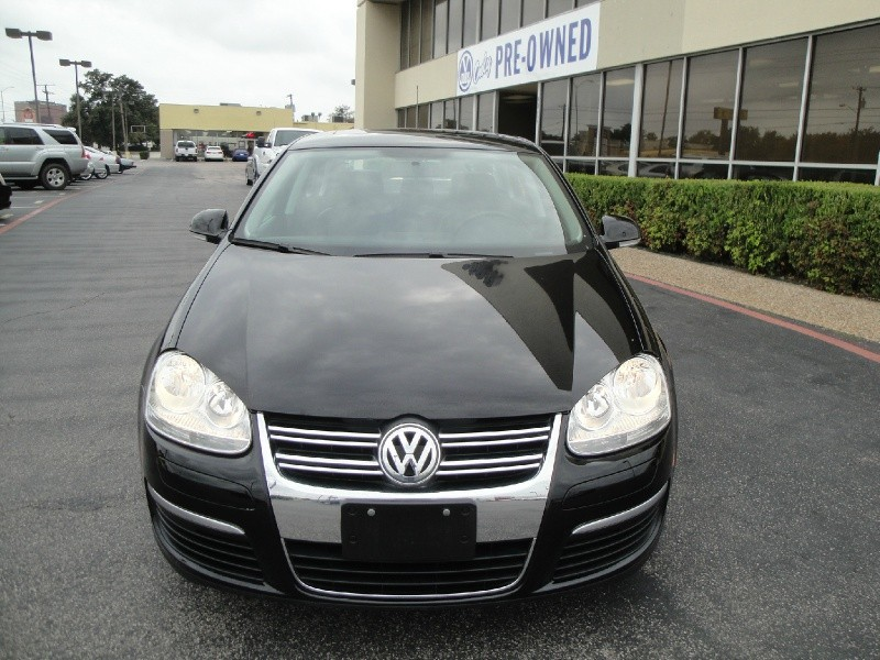 2010 Volkswagen Jetta Sedan 4dr Auto SE PZEV Ltd Avail This ONE OWNER 2010 Volkswagen Jetta 4dr