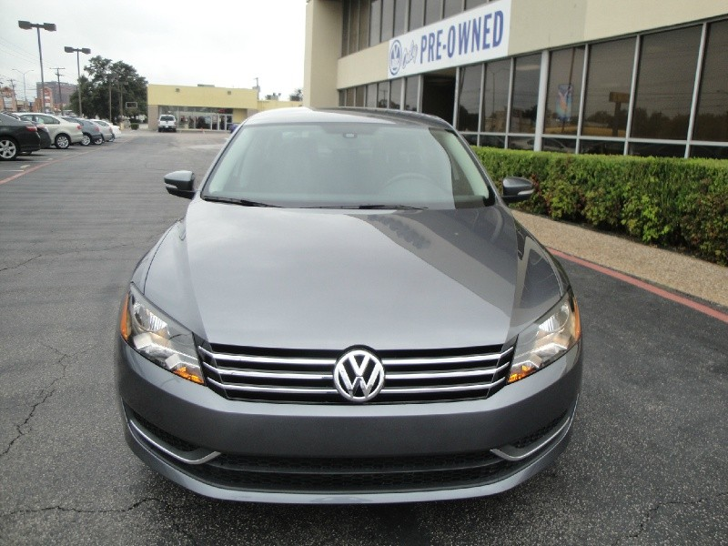 2013 Volkswagen Passat 4dr Sdn 25L Auto Trendline FACTORY WARRANTY IT CAN BE YOURS 2013 Vol