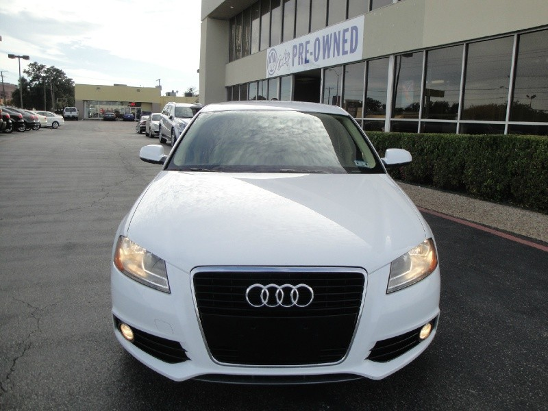 2011 Audi A3 4dr HB S tronic FrontTrak 20 TD INCREDIBLY FUN TO DRIVE 2011 A3 4dr HB Stronic Fro