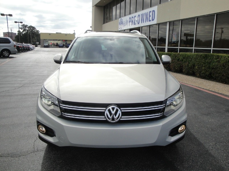 2013 Volkswagen Tiguan 4WD 4dr Auto S TOP OF THE LINESEL PACKAGE  FULLY LOADED