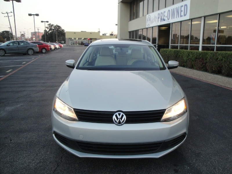 2011 Volkswagen Jetta Sedan 4dr Auto SE THIS IS A ONE OWNER 2011 VOLKSWAGEN JETTA W NO ACCIDENTS