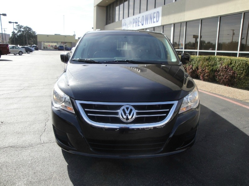 2012 Volkswagen Routan SUPER NICE 2012 VOLKSWAGEN ROUTAN STILL UNDER WARRANTY W CLEAN HISTORY E