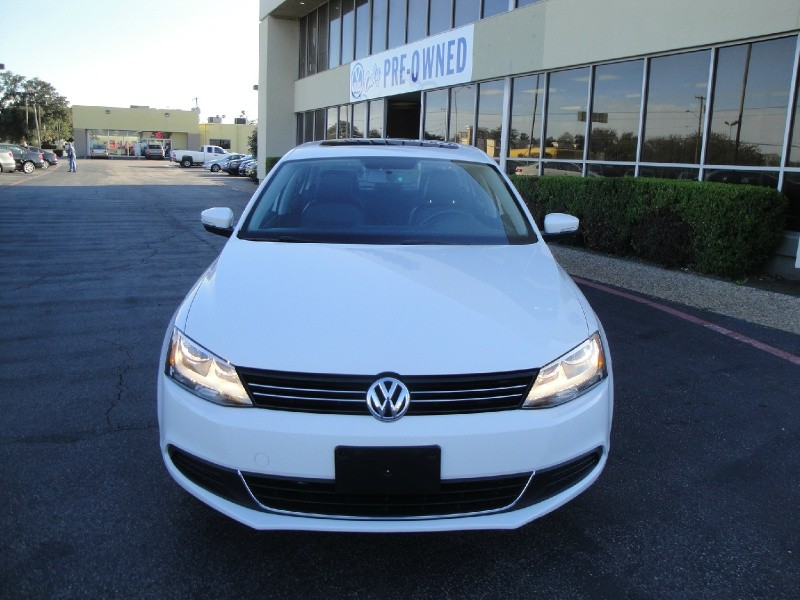 2013 Volkswagen Jetta Sedan 4dr Auto SE PZEV LIKE NEW 2013 VW JETTA SEDAN 4DR AUTOMATIC SE CL