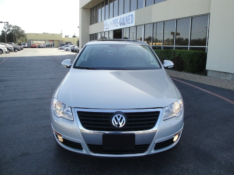 2009 Volkswagen Passat Sedan 4dr Auto Komfort FWD AFFORDABLE 2009 VW PASSAT SEDAN 4 DR AUTOMATIC