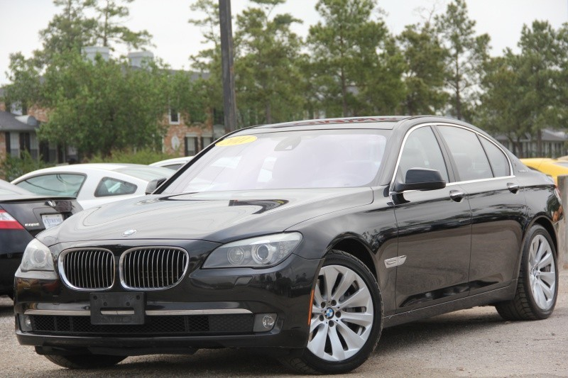 BMW 750i ActiveHybrid 2011