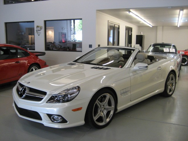 Photo collection 2011 mercedes benz sl550 for Mercedes benz sl550 for sale