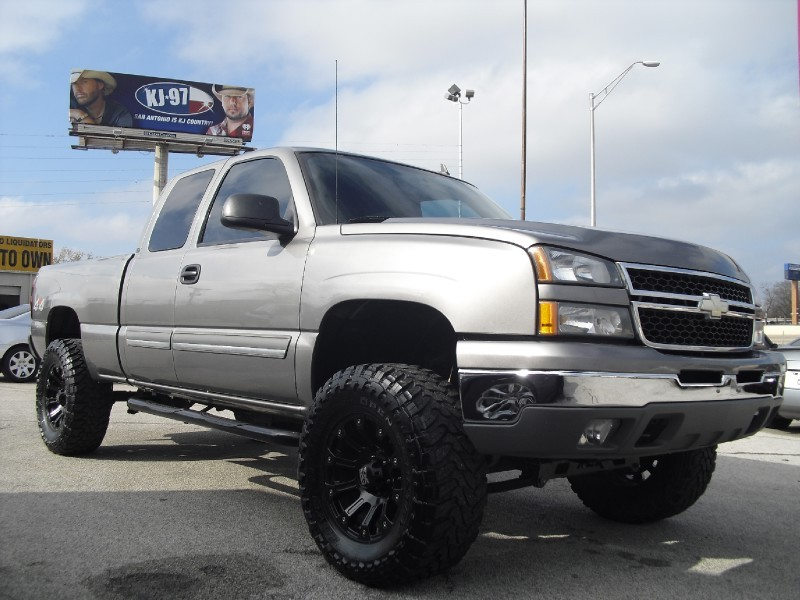 2007 chevrolet silverado 1500 classic 4wd ext cab lifted on 35s roughcountry lift kit. Black Bedroom Furniture Sets. Home Design Ideas