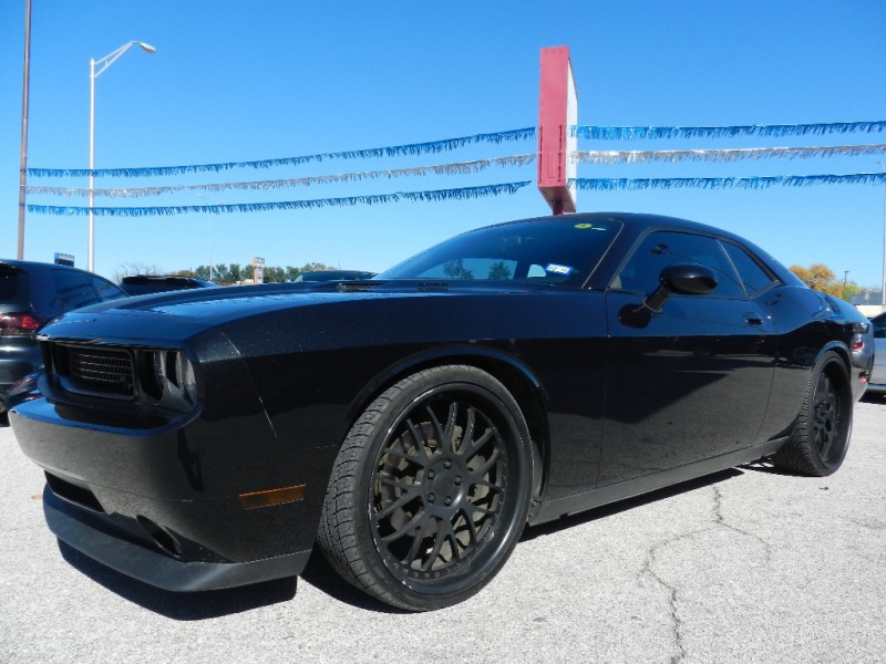 2009 Dodge Challenger 2dr Cpe R T Only 22 000 Miles