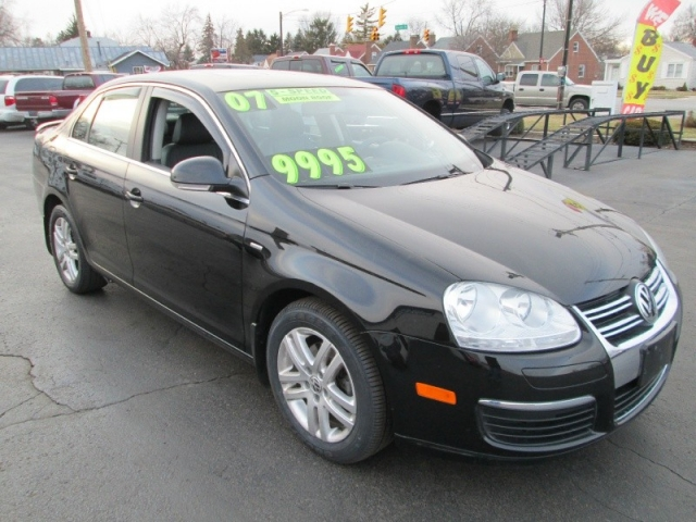 2007 Volkswagen Jetta 4dr Sedan Wolfsburg Edition Sharp Black 5 Speed Leather Moonroof
