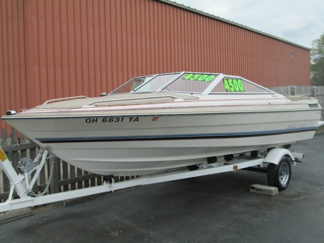 Very Clean Bayliner Capri 19 Foot Runabout Recent Tune Up