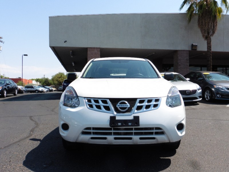 2014 Nissan Rogue AWD 4dr S White Black 27000 miles Stock 704886 VIN JN8AS5MV0EW704886