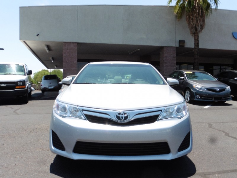 2014 Toyota Camry 4dr Sdn I4 Auto LE Natl Ltd A Silver Gray 29000 miles Stock 445176 VIN