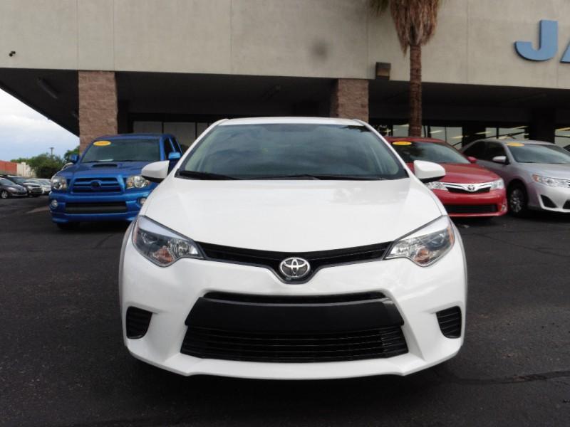 2015 Toyota Corolla 4dr Sdn CVT LE Natl White Gray 27000 miles Stock 326039 VIN 5YFBURHE0