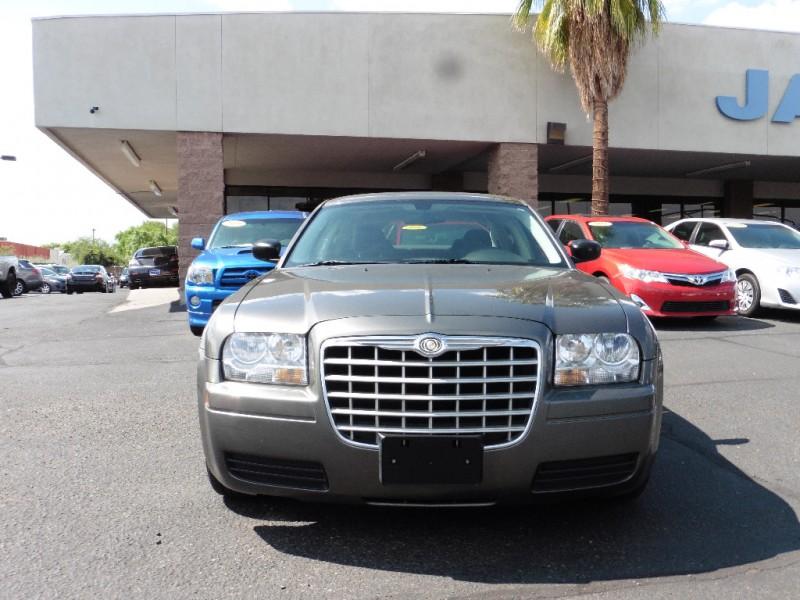 2009 Chrysler 300-Series 4dr Sdn LX RWD Gray Black 89000 miles Stock 574648 VIN 2C3LA43D89H