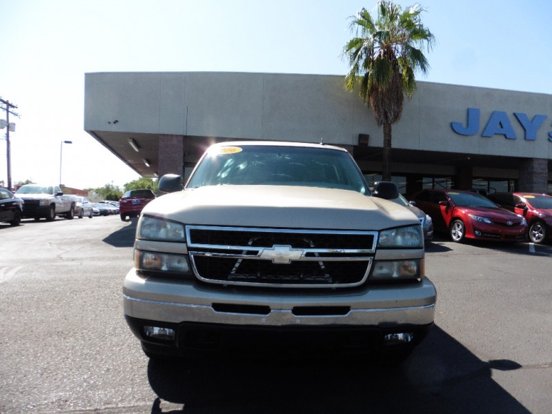 2006 Chevrolet Silverado 1500 Crew Cab 4X4 LT1 Gold Gray 107000 miles Stock 221889 VIN 2G