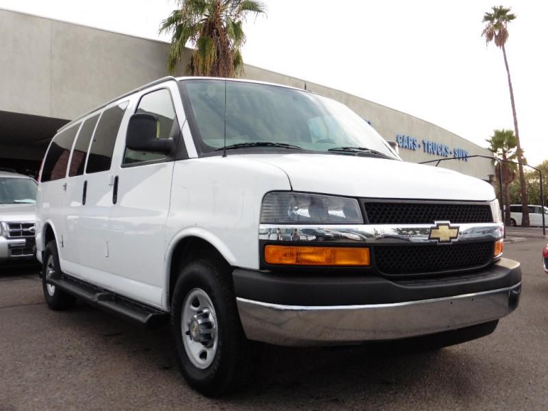 2014 Chevrolet Express Passenger RWD 2500 135 LT White Gray 72000 miles Stock 133102 VIN