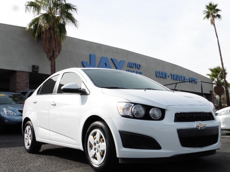 2013 Chevrolet Sonic 4dr Sdn Auto LS White Gray 42000 miles Stock 104172 VIN 1G1JA5SH9D4104