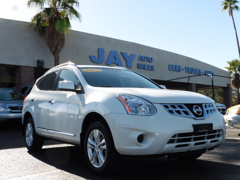 2013 Nissan Rogue AWD 4dr SV White Gray 8000 miles Stock 134796 VIN JN8AS5MVXDW134796
