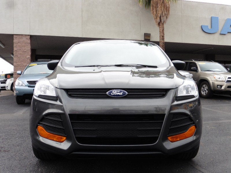 2015 Ford Escape 4dr S Gray Black 30000 miles Stock B63267 VIN 1FMCU0F74FUB63267